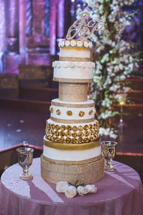 pia toscano american idol jimmy ro smith jennifer lopez wedding cake gold sparkles opulent
