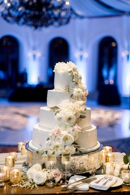 shane vereen nfl player wedding cake white four layer buttercream design fresh white garden rose