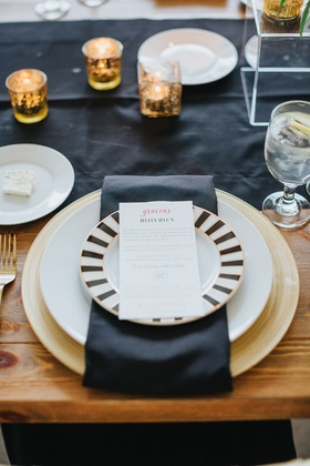 salad black with black and white striped rim, black table runner
