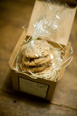 Wedding favor box with chocolate chip cookies