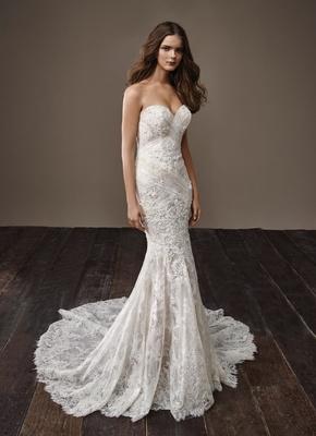 Badgley Mischka Bride 2018 collection wedding dress Bella strapless sweetheart neckline bridal gown