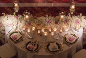 Floral tablescape fancies up the head table.