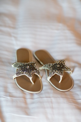 Bride's sandals with star-shape covered with crytals