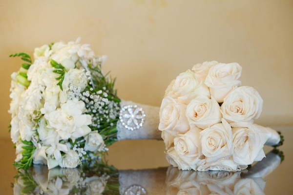Textured bride bouquet and white rose nosegay