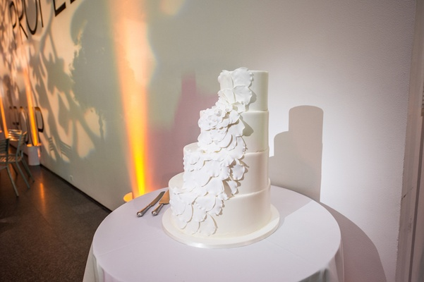 stair like white wedding cake contemporary museum art chicago unique interesting dessert