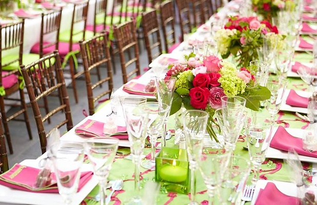 Green linen runner and pink napkins