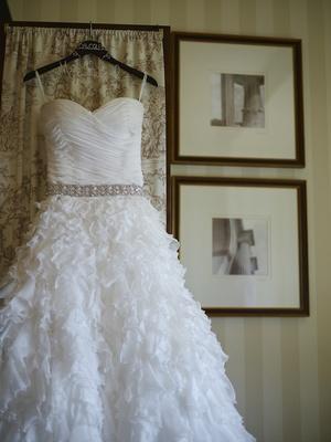 Oscar de la Renta wedding dress with ruffled skirt