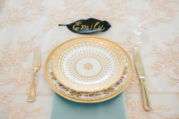 garden party wedding theme, vintage english china place setting, blue napkin, blush and white linens