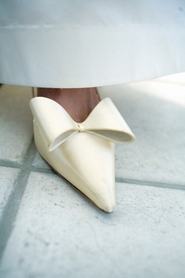 Kate Spade ivory wedding high heels with bow