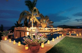 Infinity pool at Cabo San Lucas residence