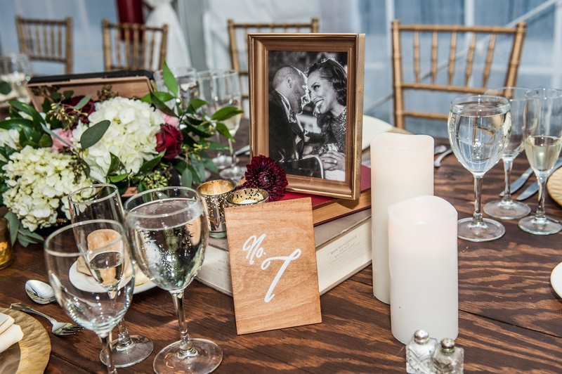Reception Dcor Photos Centerpiece With Flowers Books Candles