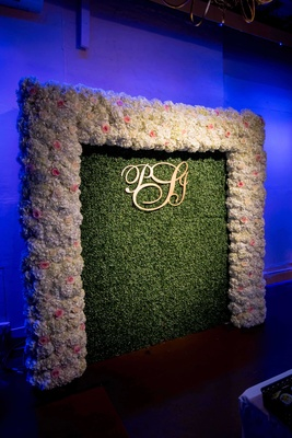 pia toscano american idol jimmy ro smith jennifer lopez wedding floral wall initials greenery
