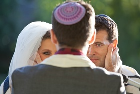 Jewish wedding ceremony at Saddlerock Ranch Malibu CA