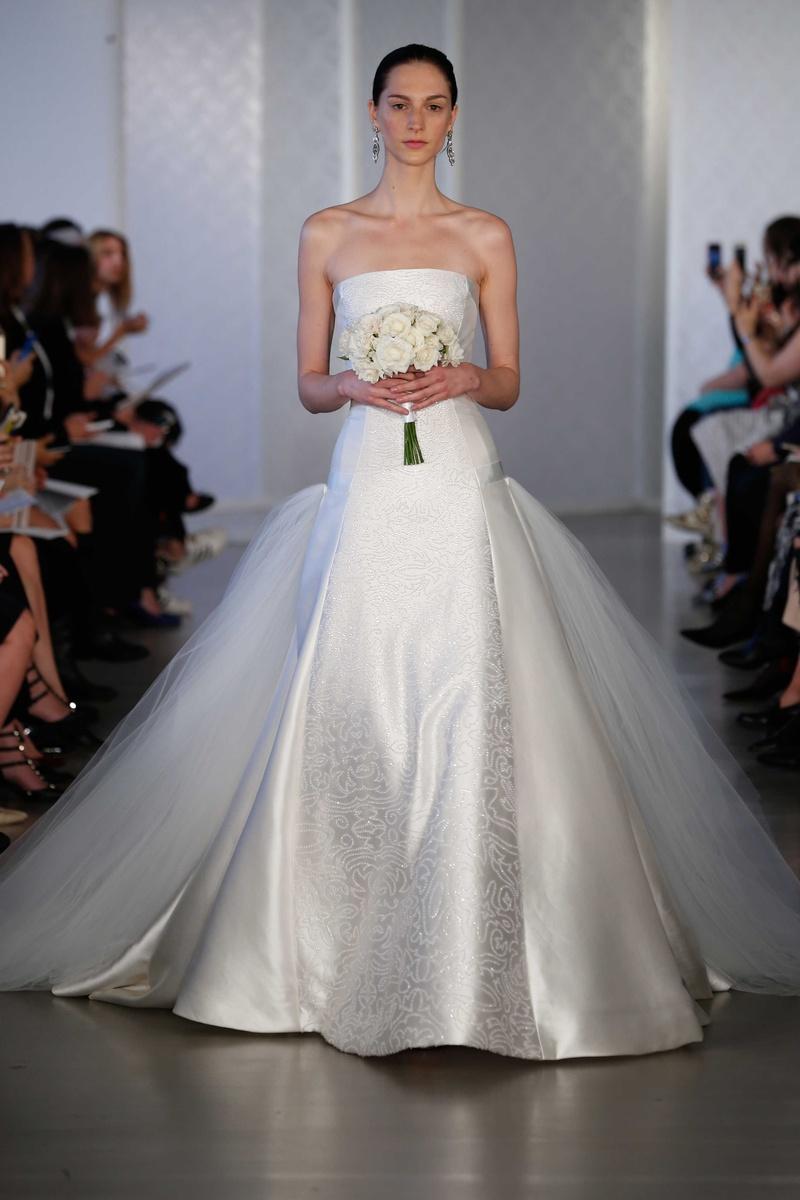 Wedding Dresses Photos - Look 15 by Oscar de la Renta 2017 - Inside ...