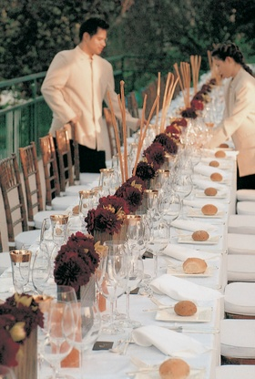 Long rectangular table with short centerpieces