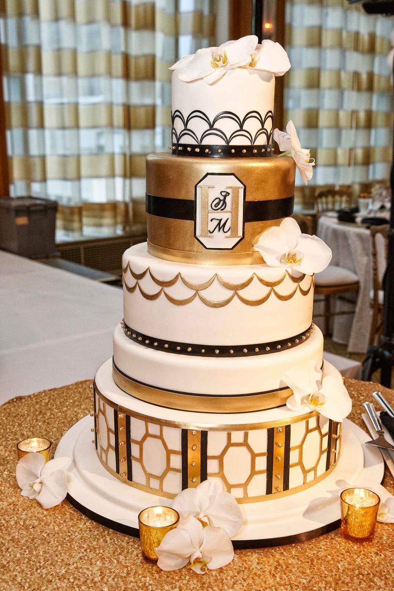 Great Gatsby Cake Stand