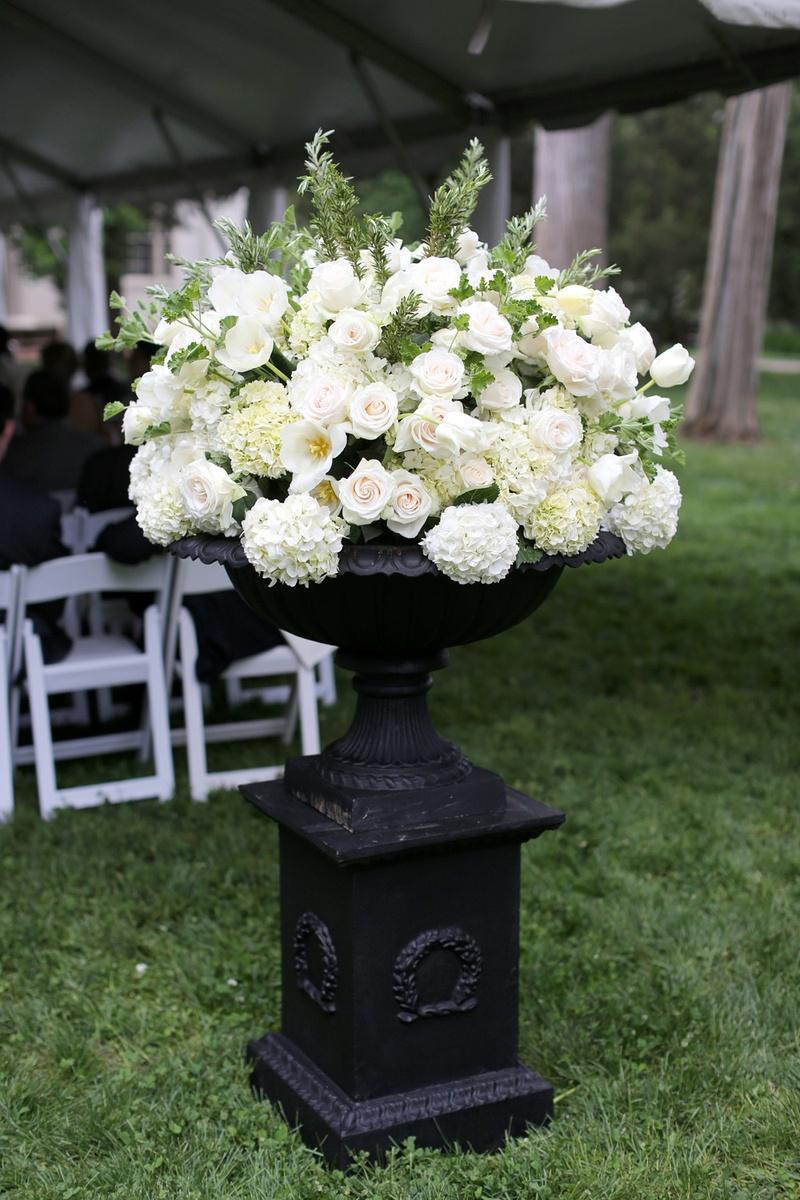 Ceremony Dcor Photos Neutral Floral Arrangements Black Base
