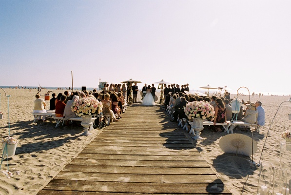 Shabby chic beachside marriage ceremony