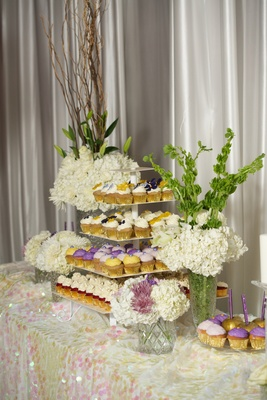 Kandi Burruss wedding cupcake tower and candy apples
