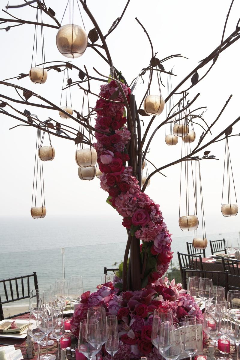 Reception Décor Photos - Iron Tree Centerpiece - Inside Weddings