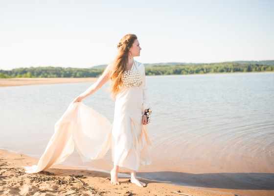 boho-chic, mermaid inspired bridal look, barefoot with large pearl necklace