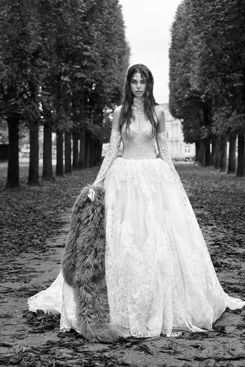 Bridal Fashion Week: Vera Wang Fall 2018 - Inside Weddings