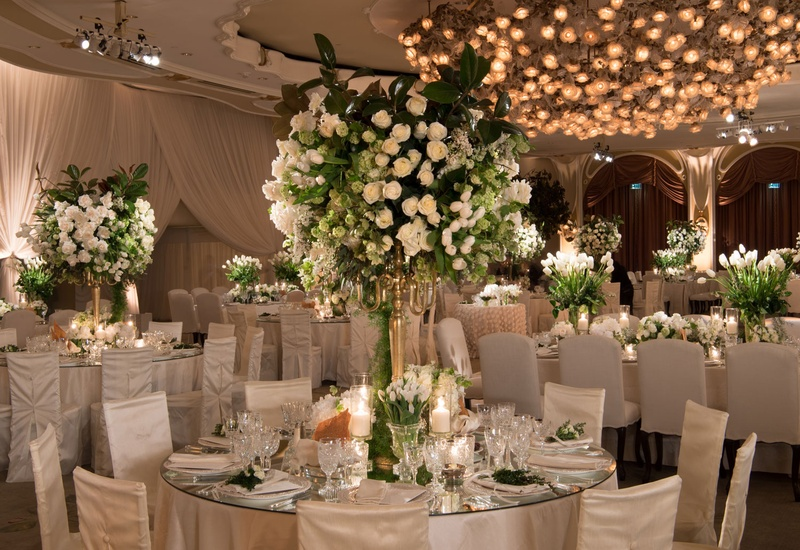 Ordinaire Ballroom Wedding Reception Round Table Mirror With High Centerpiece White  Flower Greenery Candles
