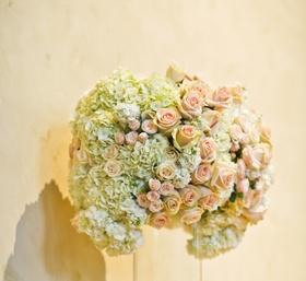 http://flowersbycina.com/romantic-balboa-bay-resort-wedding/