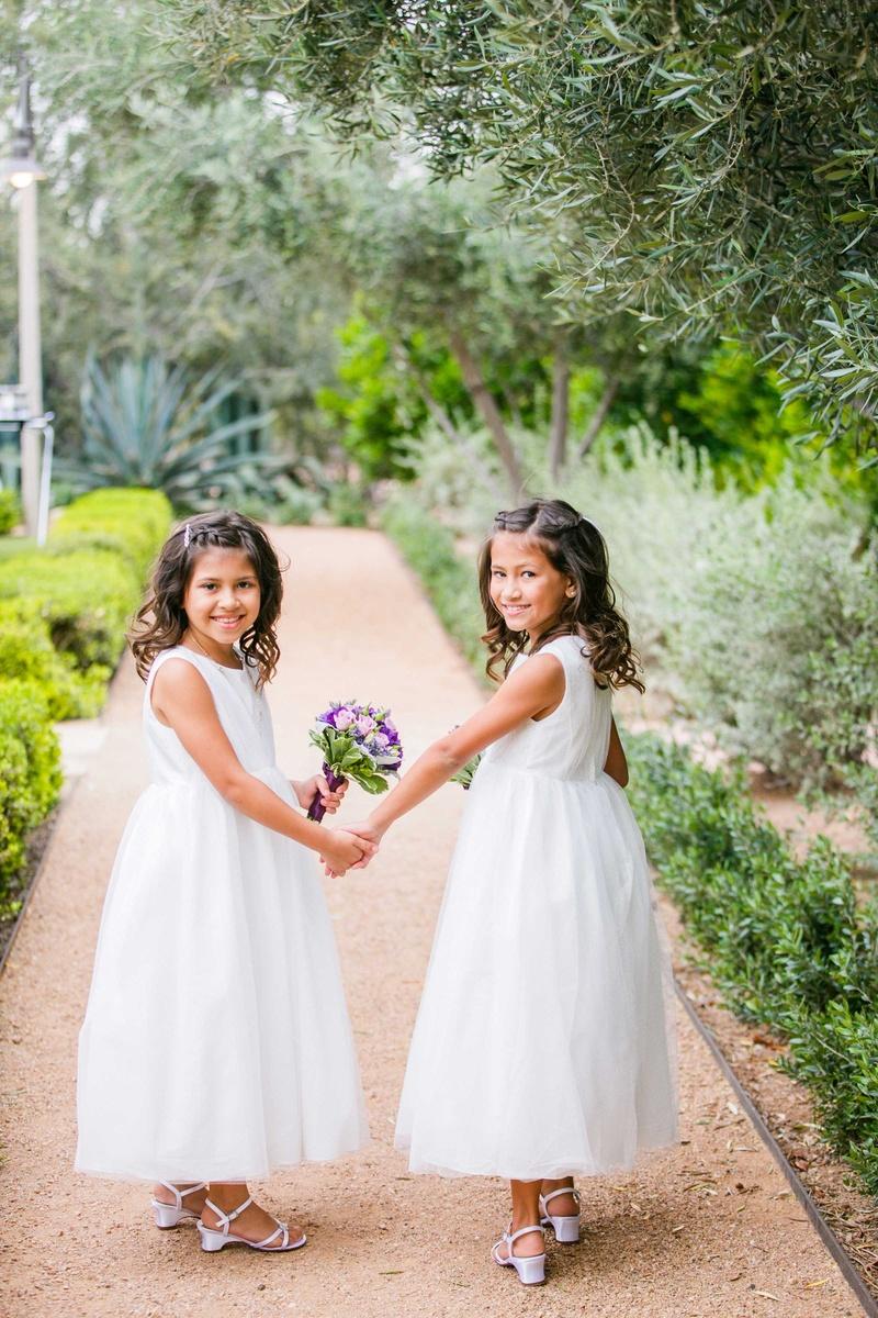 Flower Girls Ring Bearers Photos Flower Girls Hold Hands