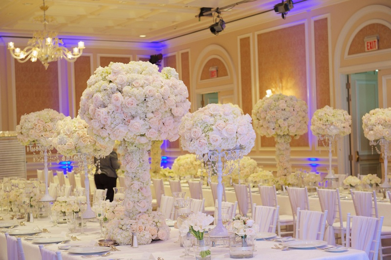 Reception dcor photos all white wedding dcor inside weddings joanna krupa wedding reception with white flower centerpieces junglespirit