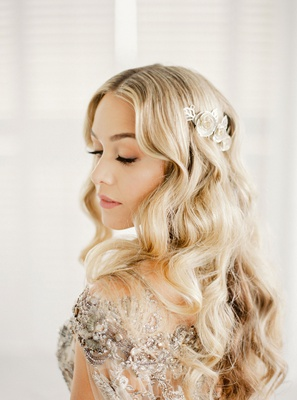 former miss puerto rico mariana paola vicente wedding day beauty look long blonde hair curls