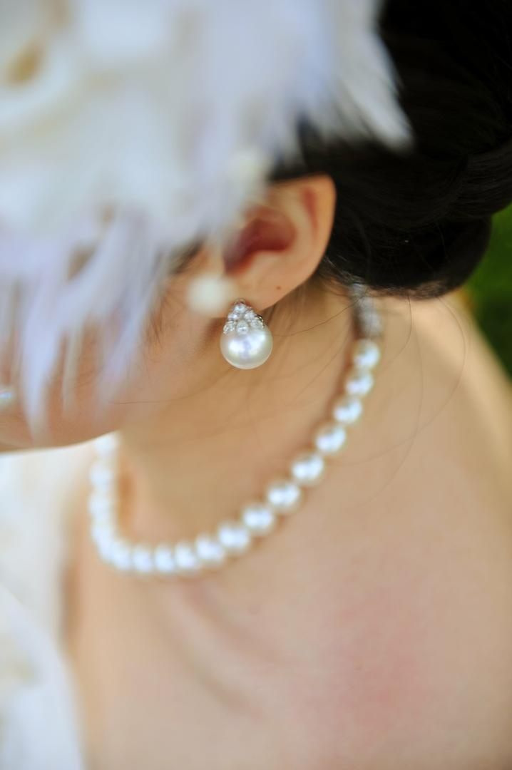 Bridal earrings with diamonds and pearls