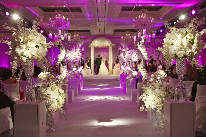 ceremony décor photos all white ceremony décor violet lighting