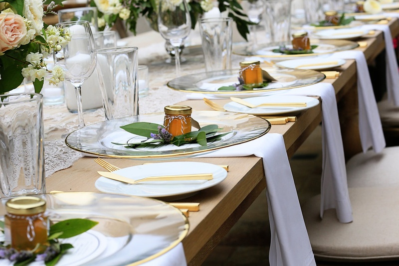 Rustic Table Setting and Favors & Reception Décor Photos - Rustic Table Setting and Favors - Inside ...