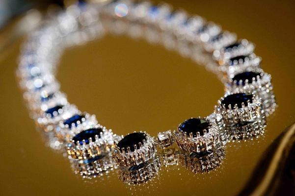 Bride's sapphire diamond necklace