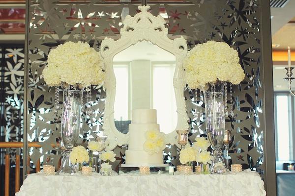 046a9d0b2bb3b A Bright & Modern Summer Wedding with Mint + Coral Details - Inside ...