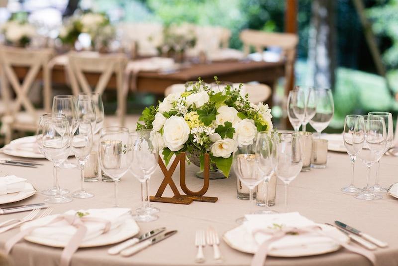 Stupendous Reception Decor Photos Elegant Short Floral Centerpiece Interior Design Ideas Tzicisoteloinfo