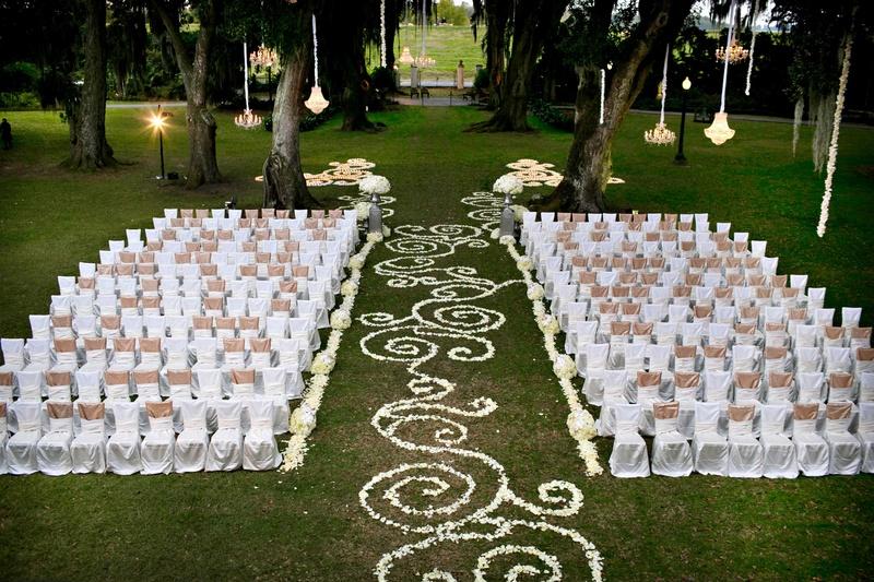 Ceremony Décor Photos - Swirling Flower Petal Design Down Aisle ...