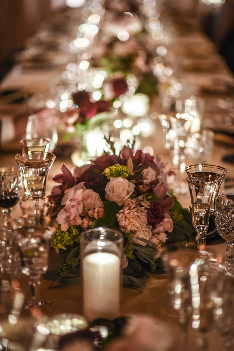 Reception décor photos low centerpieces in burgundy and