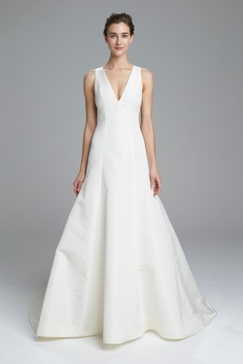 Simple And Clean Wedding Dresses From Am Spring 2017 Bridal