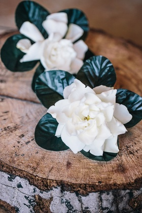 Green leaf and white gardenias for groom and groomsman