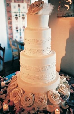 Lisa Breckenridge and Andy Cohen wedding cake