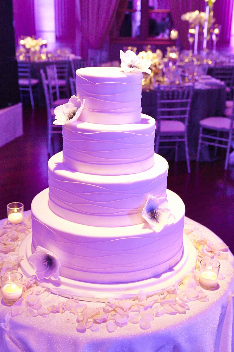 Cakes Desserts Photos Elegant Wedding Cake In Purple Lighting