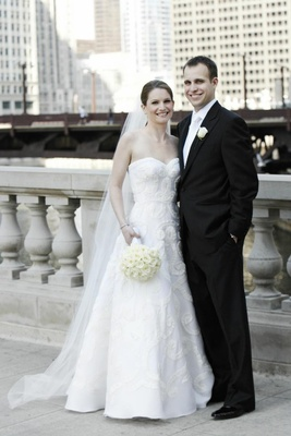 Bride and groom outside in Chicago