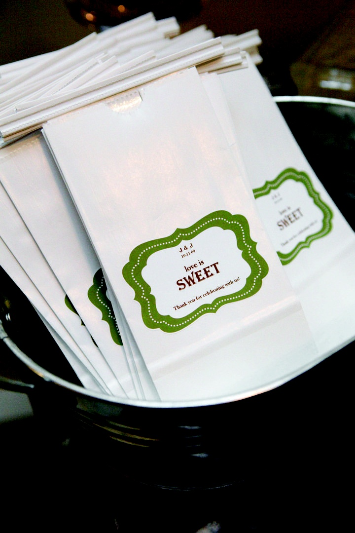 Wedding favor white bags with custom green label