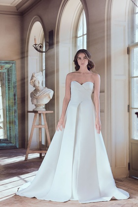 Sareh Nouri Spring 2019 collection faille strapless sweetheart a line gown with chapel train