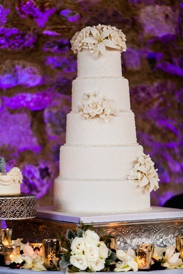 Brock Osweiler wedding cake with quilted design and sugar flowers