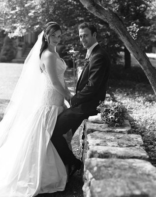 Black and white photo of Connecticut bride and groom