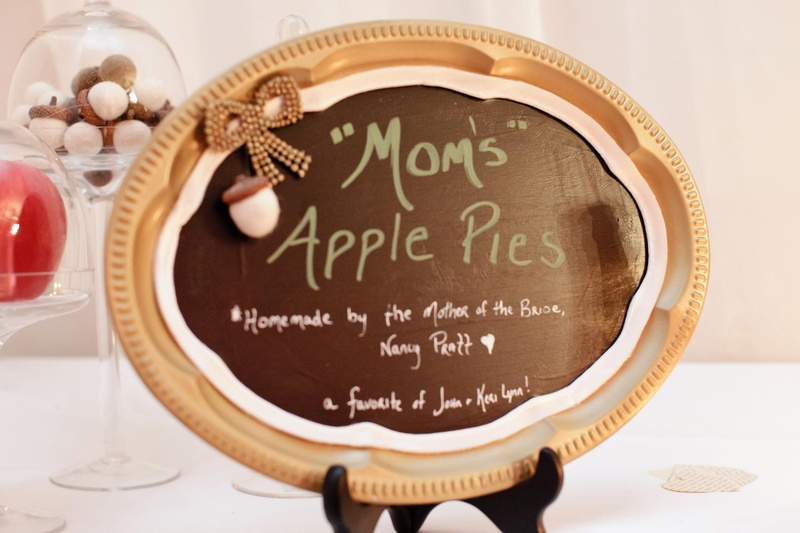 Homemade apple pie sign in gold tray frame