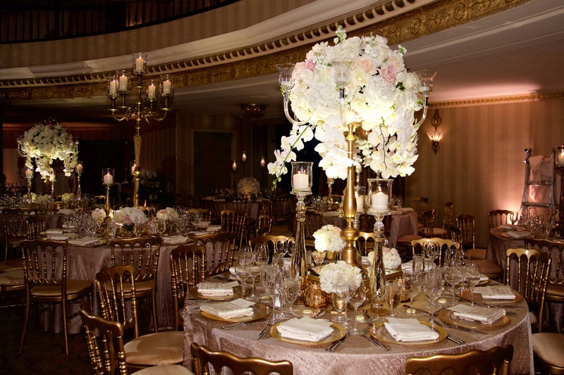 Reception décor photos round table with tall gold
